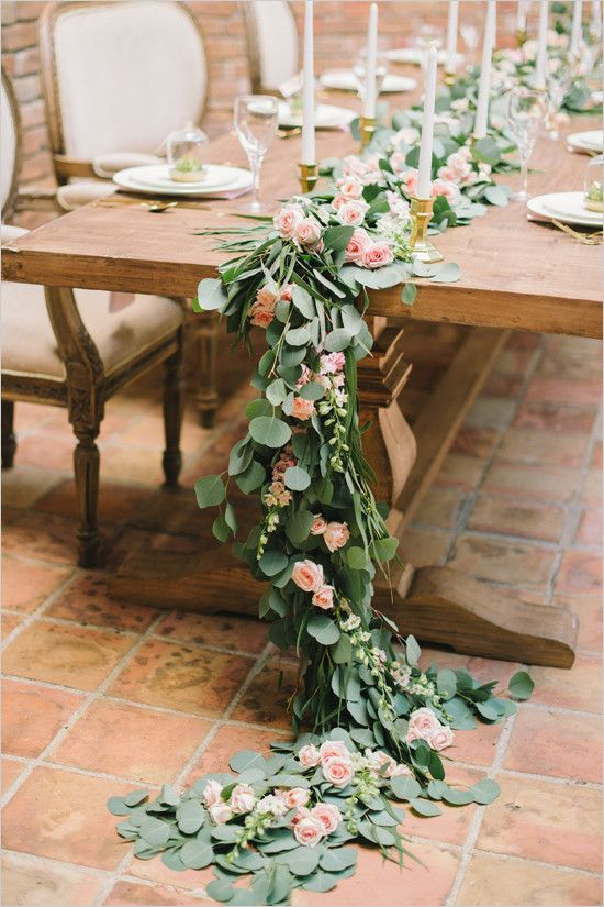 Head Table Florals & Garlands (9)